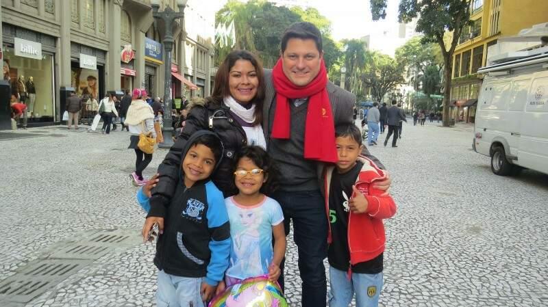 Após Uragano, Passaia voltou a ser repórter de TV e trabalha no Paraná (Foto: Divulgação/Rede Massa)