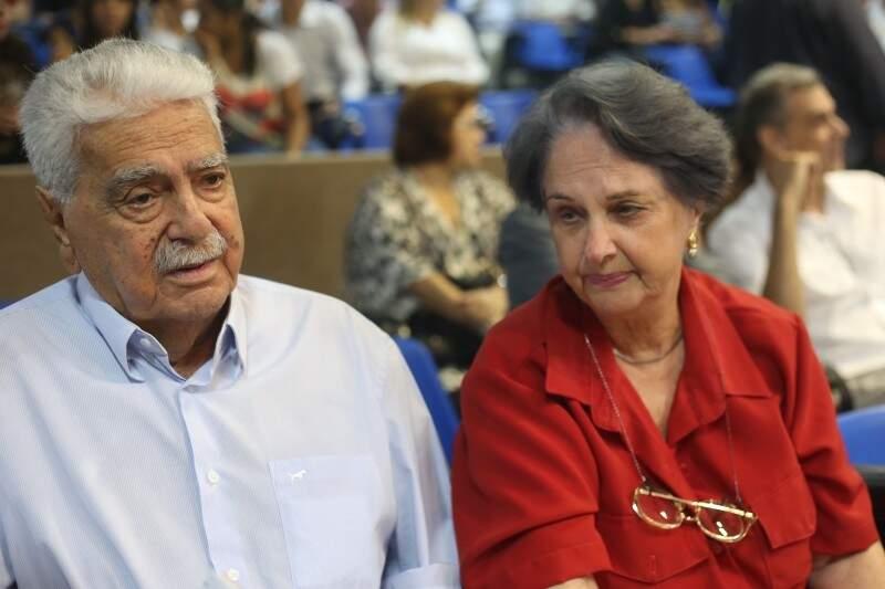 Pedrossian e a esposa Maria Aparecida: união de seis décadas. (Foto: Marcos Ermínio)