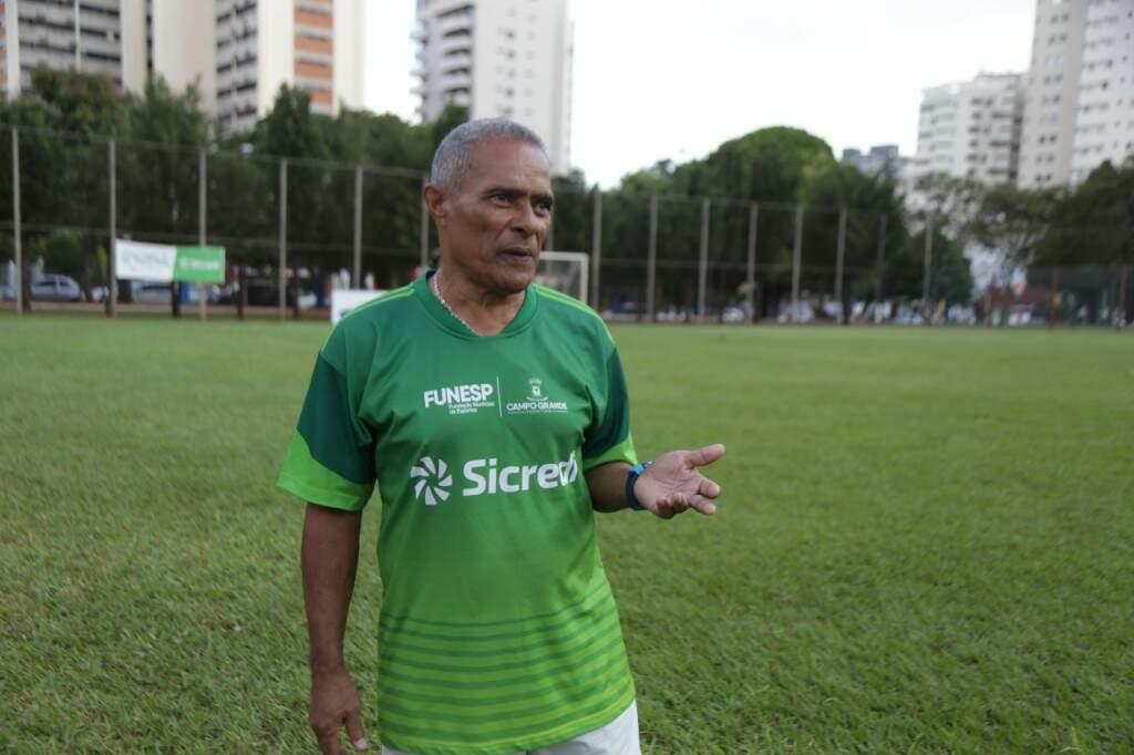 O ex-atacante Copeu, estrela do futebol brasileiro nas décadas de 1960 e 1970, vive em Campo Grande desde 1973. Ele aposta na humildade do técnico Tite como trunfo do Brasil na Copa (Foto: Antônio Fernandes)