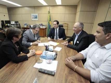 Ministro assina autorização instalação de curso de Medicina na fronteira