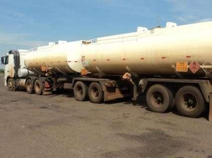 PMA apreende carretas com 86,9 mil litros de etanol transportado ilegalmente