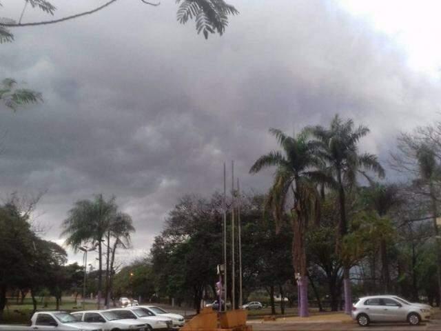 Tempo continua nublado em Ivinhema, onde chuva chega a quase 100 mm (Foto: Rafael/Ivinotícias)