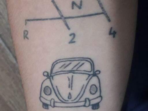 Tatuagem do Fusca. (Foto: Arquivo Pessoal Carla)
