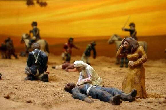 Bonecos de cera: encenação da Retirada no Muhpan