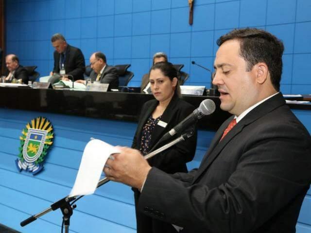Deputado Márcio Fernandes (MDB), autor do projeto, durante sessão (Foto: Victor Chileno/ALMS)