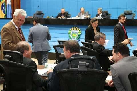 Deputados aprovam proibição da pesca no rio Salobra e córrego Azul