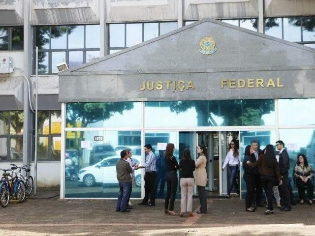 Sede da Justiça Federal em Dourados, de onde foi expedida condenação contra réus do Caso Campina Verde. (Foto: Arquivo)