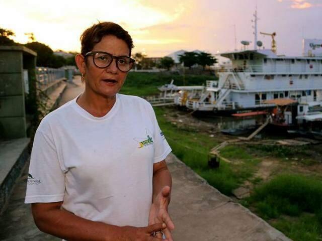 Joice Santana, no porto-geral de Corumbá (Foto: Edemir Rodrigues)