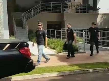 Agentes da PF deixam prédio da Fiems após 3 horas de buscas