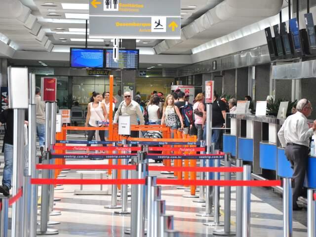 Passagem saindo do Aeroporto de Campo Grande pela Cuiabá tem preço de até R$ 55,00. (Foto: João Garrigó)