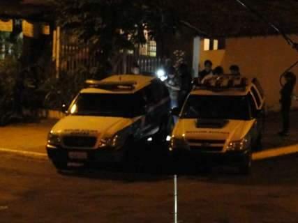 Casal de traficantes é preso com 350 papelotes de pasta base na Vila Planalto