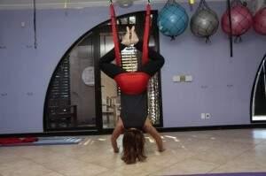 Yoga também pode ajudar a diminuir dores de quem sofre com a doença (Foto: Arquivo)