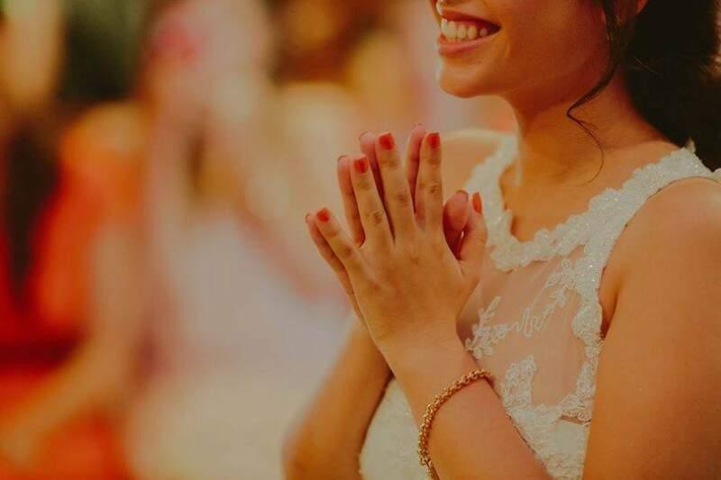 Emoção para a noiva, familiares e convidados.  (Foto: Allan Kaiser)