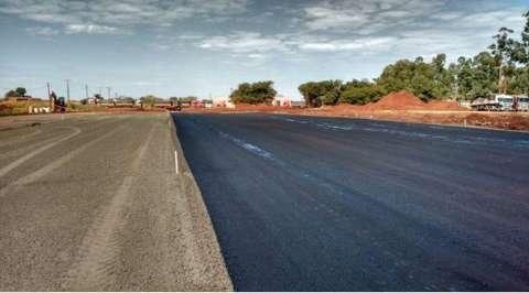 Reinaldo vistoria rodovia MS-156 e destaca qualidade do asfalto