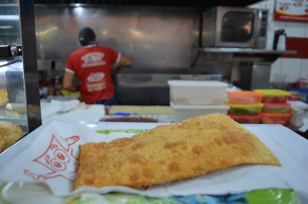 O tradicional pastel de carne também vai estar na edição do festival (Foto: Alana Portela)