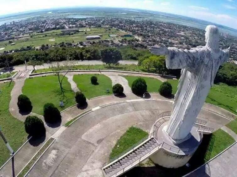 Cristo Rei do Pantanal de braços abertos para o Pantanal: Corumbá imita o Rio de Janeiro (Fotos: Divulgação)
