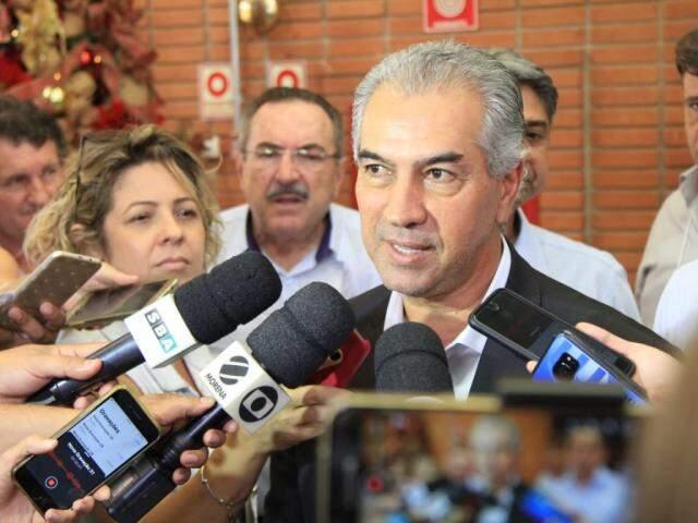 Governador Reinaldo Azambuja durante evento na Famasul (Foto: Marina Pacheco)