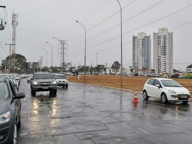 Chuva foi bem vinda na manhã de sábado, depois de mais de 50 dias de estiagem. (Fernando Antunes)