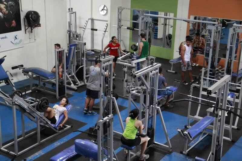 Academias de bairro a média de mensalidade é de R$ 60 só musculação (Foto: Cleber Gellio)