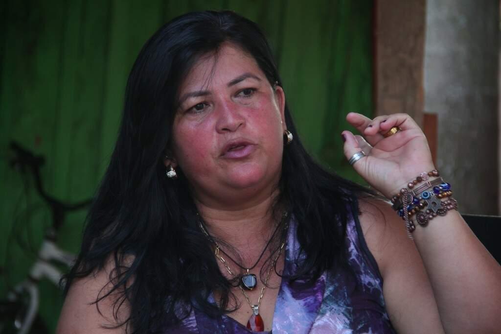 Jane diz que dependendo do caso é de R$ 1 mil a R$ 10 mil o trabalho. (Foto: Marcos Ermínio)