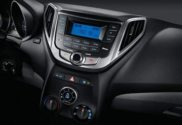 Hyundai apresenta a linha 2015 do HB20