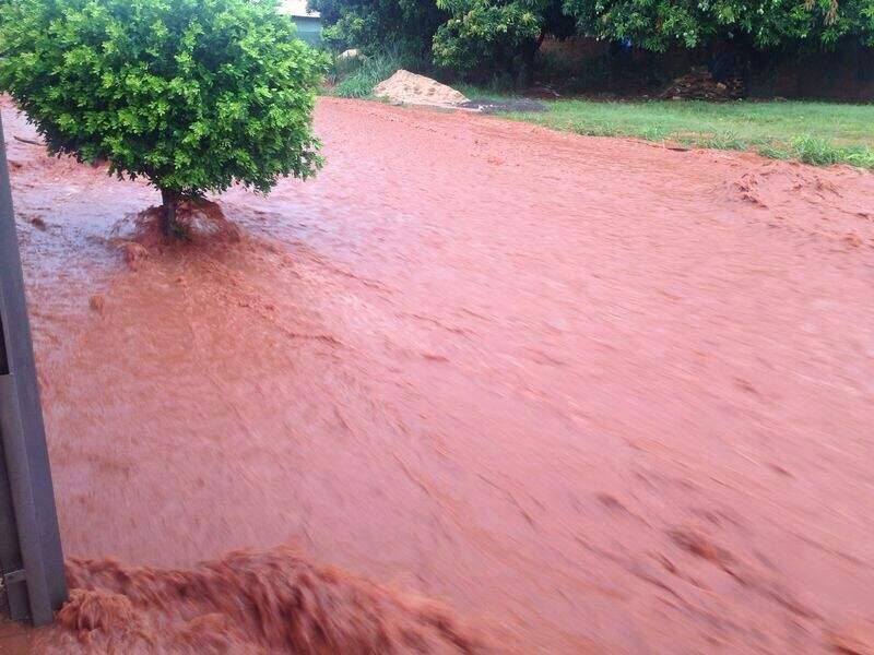 A rua Frutuoso Barbosa virou um rio
