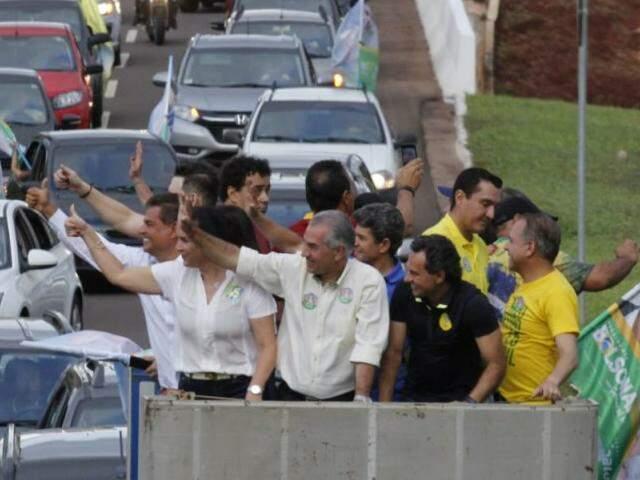 """Com apoiadores, candidato do PSDB reforça intenção de manter """"trabalho responsável"""" pelo Estado. (Foto: Divulgação)"""