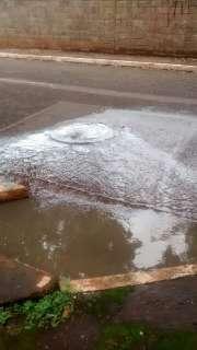 Vazamento de esgoto causa transtornos aos moradores da Vila Sobrinho