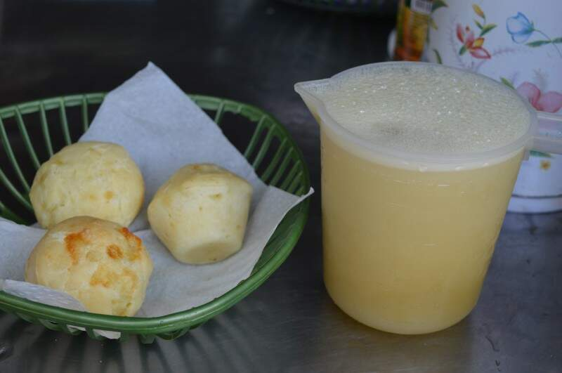 Pão de queijo a R$ 1 e garapa por R$ 4 são um dos pedidos. (Fotos: Thailla Torres)