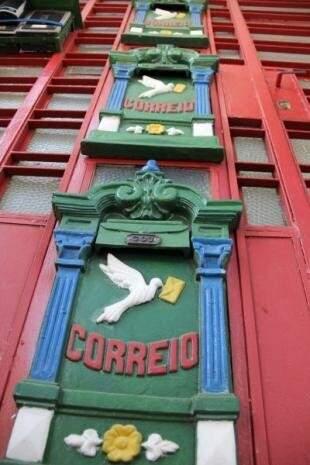 As caixinhas de correio de Glorinha, um marco para quem repara nas delicadezas pela Antônio Maria Coelho. (Foto: Arquivo/Marcos Ermínio)