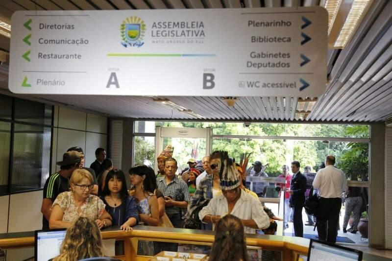 Missão ecumênica esteve ontem na Assembleia Legislativa e segue hoje para Dourados (Foto: Gerson Walber)