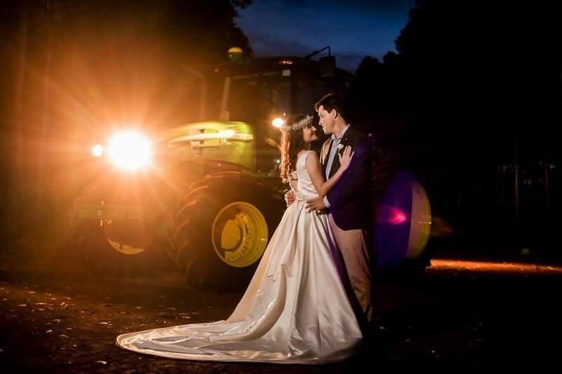 E casal ainda teve cenário para ensaio de fotos. (Foto: Top Studio Fotografia)