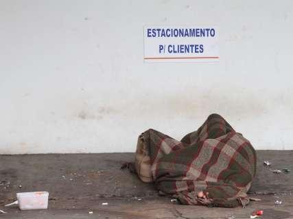 Em três dias, primeira frente fria do ano levou 242 moradores de rua para abrigo