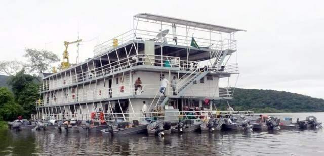 Kalipso, um dos maiores barcos para pesca esportiva, acomoda até 100 pessoas (Foto: divulgação)