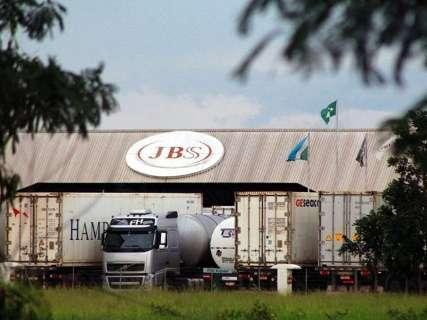 Governo suspende incentivos da JBS e dá prazo para empresa se defender