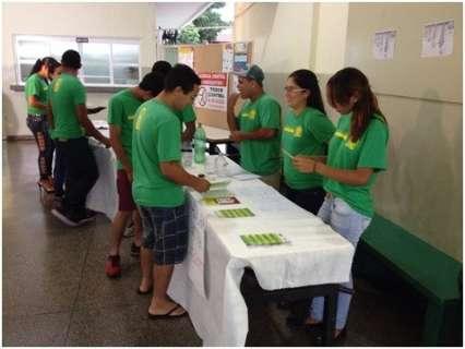 Com ajuda de agentes de saúde, escola realiza oficinas para combater dengue