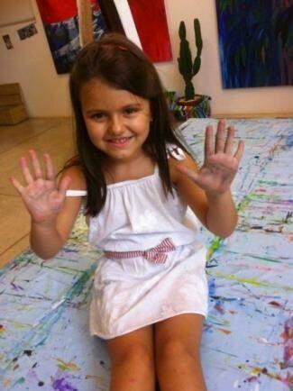 Aos 6 anos, Valentina soprou as velinhas de aniversário de uma forma diferente.  (Foto: Arquivo Pessoal)