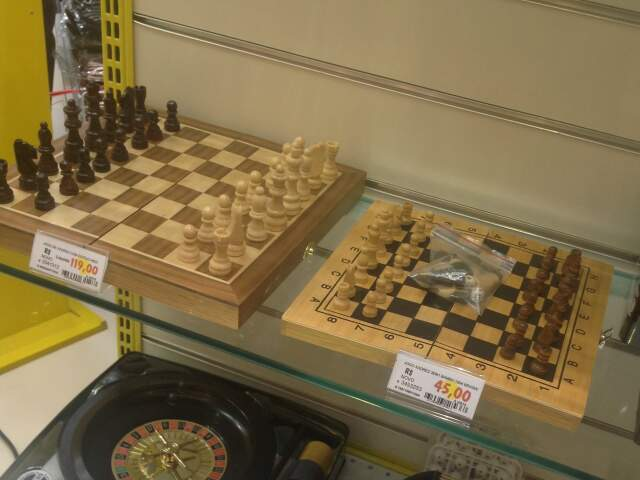 Jogo de xadrez vai de R$ 45,0 a R$ 119,00.