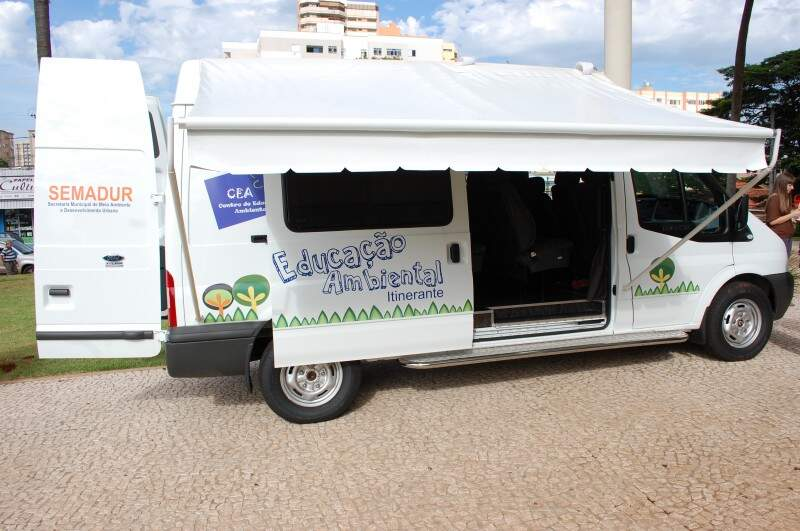 Van equipada levará programa de educação ambiental a várioas locais. (Fotos:Luciana Brazil)