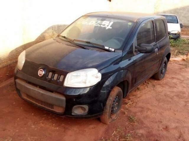 Fiat Uno Vivace, ano 2014, tem lance mínimo de R$ 10 mil.