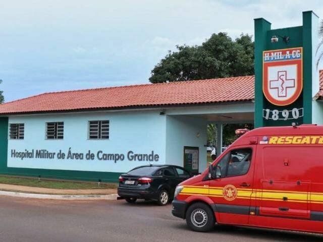 Interno pediu ajuda no Hospital Militar de Campo Grande. (Foto: Henrique Kawaminami)