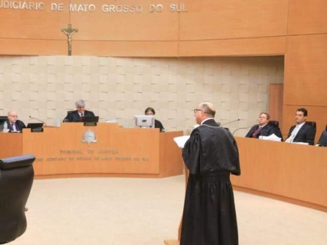 Advogado da OAB nacional, Fernando Fernandes, faz defesa de advogado de MS envolvido na Operação Omertà. (Foto: Gerson Wálber/OAB-MS)