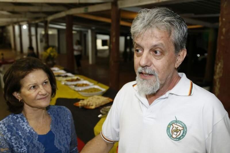 A patroa Sirlei e o chef da noite, Roque acreditam que a cultura alemã tem muito a ser explorada em Campo Grande