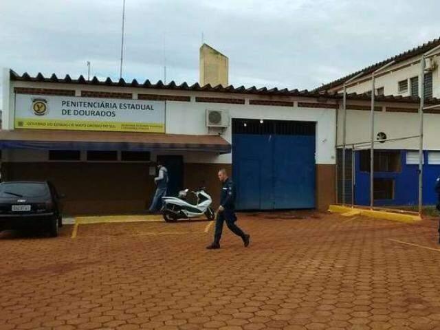 Mandado de prisão foi cumprido na PED (Penitenciária Estadual de Dourados). (Foto: Dourados News)