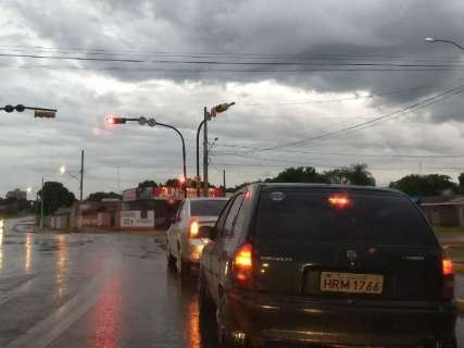 Chove em ao menos 4 cidades e Inmet alerta para risco de tempestade em MS