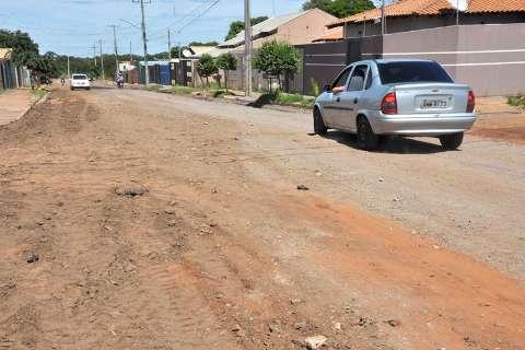 Após protesto e visita de Bernal, prefeitura inicia obras em rua