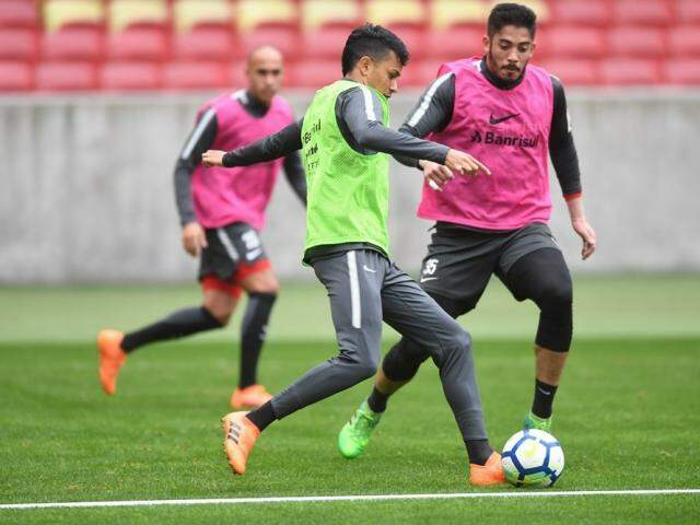 Jogadores do Internacional treinam para compromisso da noite contra o Ceará (Foto: Ricardo Duarte/SC Internacional)