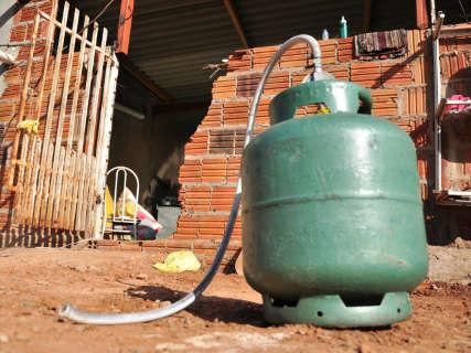 Adolescente tem corpo queimado após explosão de gás de cozinha