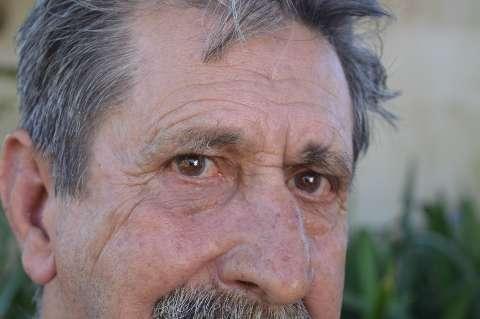 Depois de tragédias acumuladas, Altamir ganhou chance de ser pai aos 76