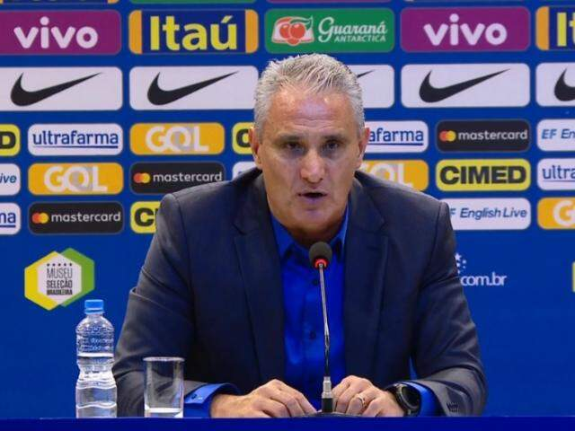 Treinador brasileiro explica motivos pelos nomes apresentados em coletiva (Foto: CBF TV/Reprodução)